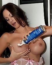 Sexy picture of Talia Shepard