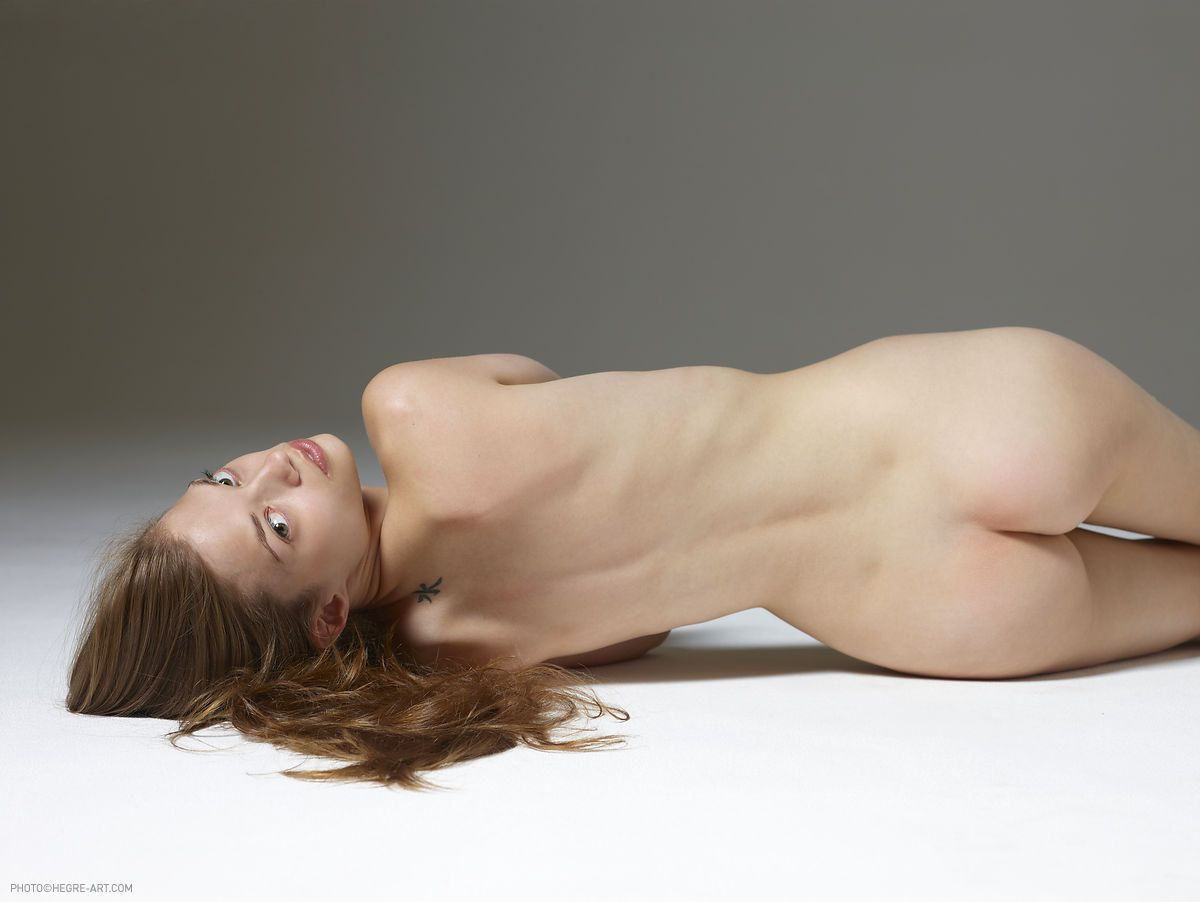 big tit queens gallery