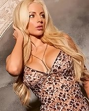 Hot photo of Nicolette Shea